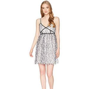 ROMEO & JULIET COUTURE BLACK & WHITE FLORAL DRESS